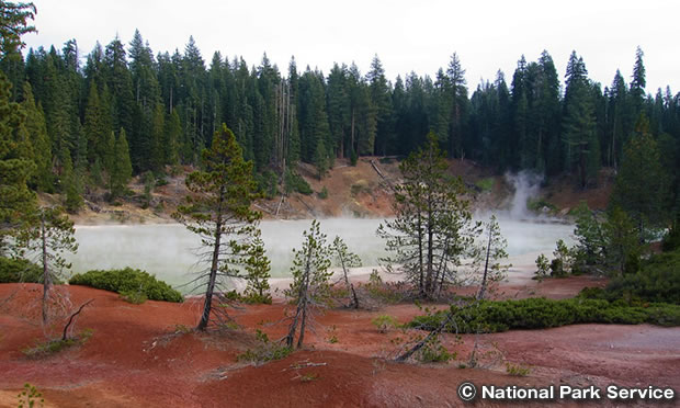 ボイリング・スプリングス湖 トレイル Boiling Springs Lake Trail