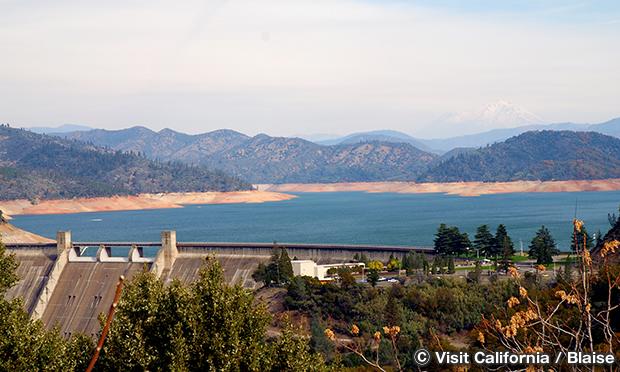 シャスタ湖 Lake Shasta