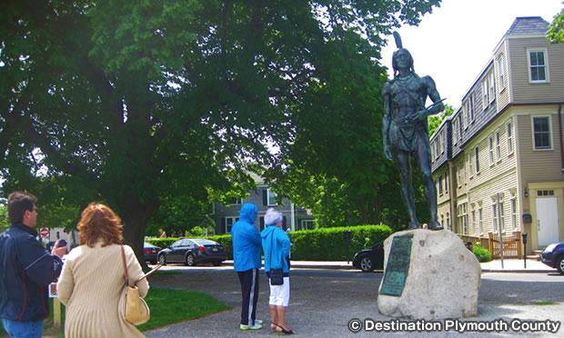 マサソイト像 Massasoit Statue