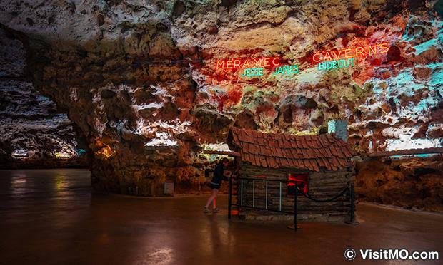 メラメック洞窟 Meramec Caverns