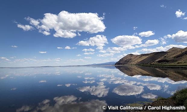 トゥール湖 国立野生生物保護区 Tule lake National Wildlife Refuge