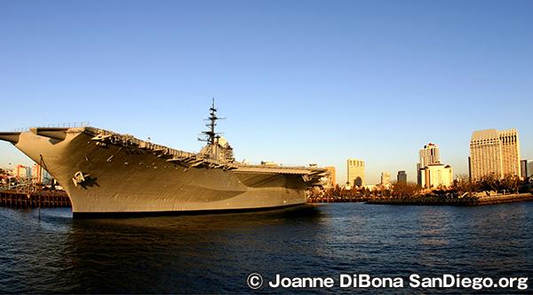 ミッドウェイ博物館 USS Midway Museum