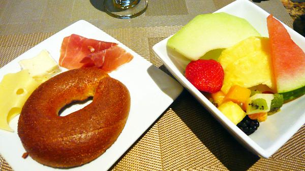 ARTBARで朝食