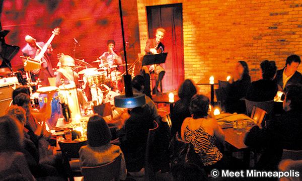 ダコタ・ジャズクラブ&レストラン Dakota Jazz Club & Restaurant