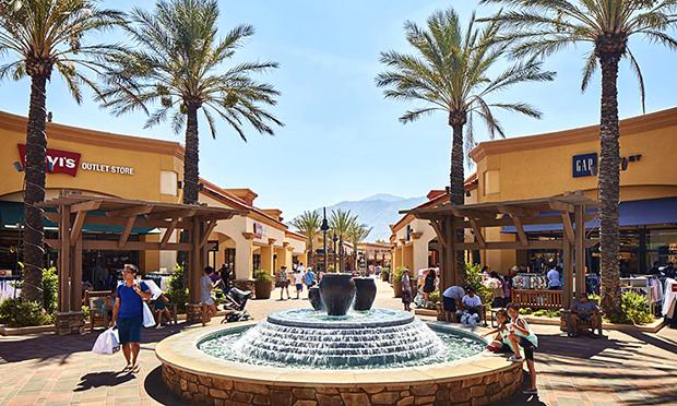 デザートヒルズ・プレミアム・アウトレット Desert Hills Premium Outlets