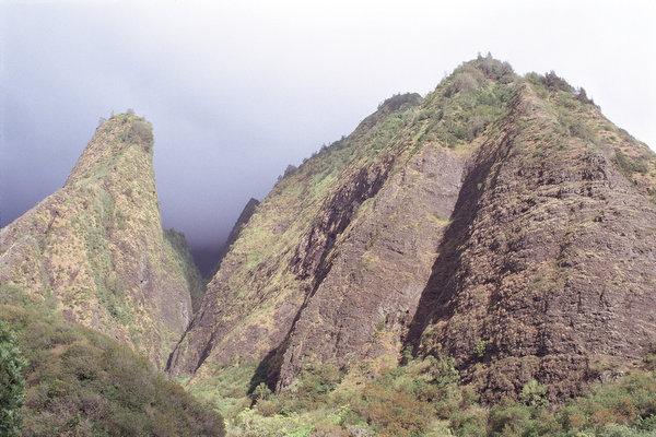 奇岩が目を引く公園 イアオ渓谷州立公園