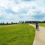 シェルビー・ファームズ・パークでサイクリング