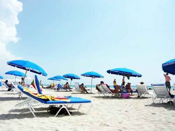 大西洋に面した白砂の海岸 マイアミ・ビーチ