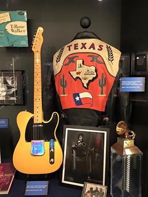 アルバート コリンズのジャケットとギター