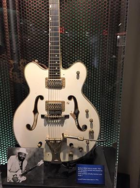 ロウウェル フルソンのギター