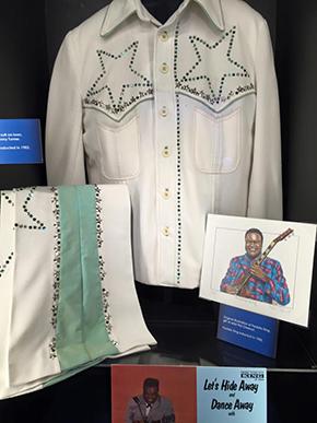 フレディ キングのスーツ