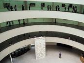 建物も人気 グッゲンハイム美術館
