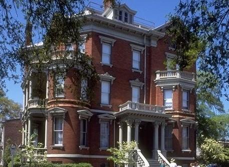 大富豪の邸宅を巡る