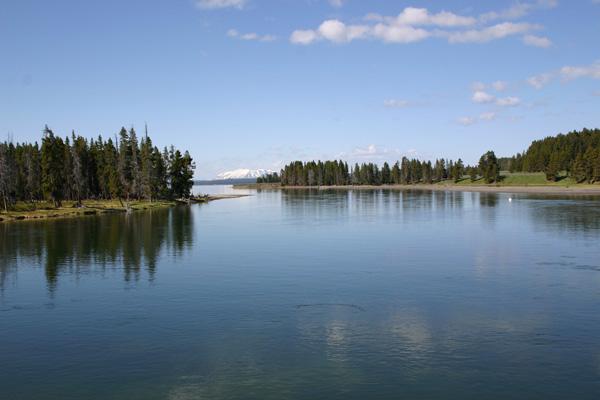 イエローストーン湖 YELLOWSTONE LAKE
